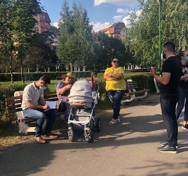 Vreme bună, discuții interesante și oameni deschiși la întâlnirea cu brașovenii în parcul Răcădău!